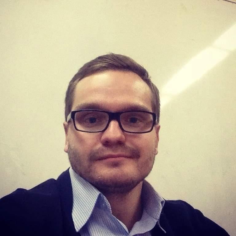 Максим Костин